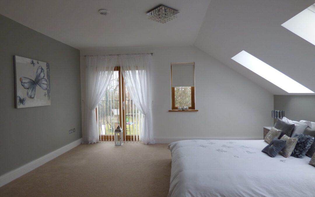 Sposoby na oświetlenie loftowej sypialni na poddaszu