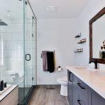 Jak dobrać oświetlenie do łazienki? Kilka sprytnych porad