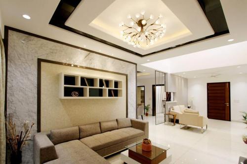 lampa-sufitowa-w-salonie-3